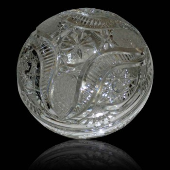 bonbonnière en cristal ajka signé