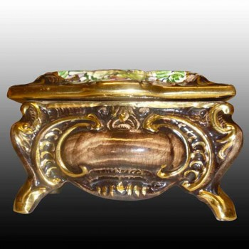 Bequet-Quaregnon-earthenware candy box-Belgium-hand painted and heightened with gold